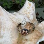 Kinder Mädchen Fingerring verstellbar Amber mit glitzernder Cabochon Harzperle in goldrosa, Innendurchmesser 19mm