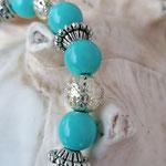 Langer Schlüsselanhänger Herzanhänger mit Herz Antiksilber mit hellblauen Glasperlen, Drahtsilberperlen, Blumenrondellen, div. Metallperlen