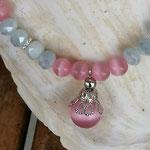 Kinder Mädchen Perlenschmuck Kinder Halskette Luisa mit rosa Katzenaugen Glasperlen, hellgrauen facettierten Glasperlen, silberfarbenen Blumenrondellen und grosser Katzenaugen Glasperle in rosa
