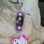 Schlüsselanhänger Einhorn Pink Lemonade mit Schmuckperle glitzerlila, lila Perlenrondellen und Blumenrondellen in Antiksilber