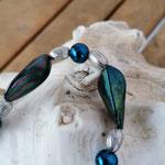 Langer Schlüsselanhänger Herzanhänger mit Herz Antiksilber mit dunkelblauen Glanzperlen, ovalen Metallperlen
