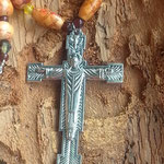 Rosenkranz Damen Perlen Halskette God's Blessing mit Jesus Kreuzanhänger, runden und ovalen, indianischen Holzperlen sowie kleinen gelben und rotbraunen Acrylperlen
