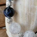 Kurze Halskette Kette Perlenkette Perlenhalskette mit runden Bergkristall Edelsteinperlen und runden Sodalith Perlen und Splittern