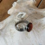Fingerring Ring Jeora mit 12mm grosser orange brauner Cabochon Glasperle mit Muster verstellbar