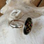 Fingerring Ring Elbereth mit 20mm grosser dunkelbrauner Cabochon Glasperle mit Blumen verstellbar