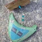 Oster Schwemmholz Girlande Türdekoration Pollo Turchese mit türkis Weidekugeln, Huhn Anhänger türkisgrün aus Metall, durchsichtigen facettierten Acrylperlen