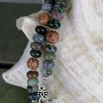 Kurze Perlenhalskette Perlen Halskette Mystique mit Jaspis Perlen, Kokosperlen und silbernen Blumenrondellen und Hakenverschluss antiksilber