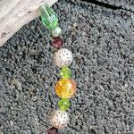Schwemmholzgirlande Treibholzdesign Mobile Windspiel Wohn Accessoire Wohnschmuck mit Herzanhänger, grünen Glas- und Glanzperlen, gelborangen Glasperlen