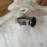 Fingerring Ring Lumiel mit 12mm grosser dunkelblauer Cabochon Glasperle mit Muster verstellbar