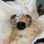 Kinder Mädchen Fingerring verstellbar Black mit glitzernder Cabochon Harzperle in schwarz, Innendurchmesser 19mm
