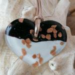 Kurze Halskettte goldfarben mit Herzanhänger Lampworkperle schwarz weiss bronze