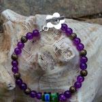 Kinder Mädchen Perlen Armkette Lila Flower mit 4mm violetten Glasperlen, bronze Metallperlen und grüner, 14mm lange Mille Fiori Glasperle in der Mitte