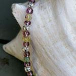 Kinder Mädchen Halskette Perlenkette Valeria mit lindgrünem Mille Fiori Glasperle, altrosa Glasperlen, Drahtsilberperlen und verschiedenen grünen sowie rosaweissen Glasperlen