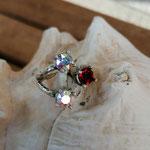 Fingerring Ring Vilentia Antiksilber Messing mit roten Siam und Crystal Swarovski Steinen verstellbar