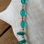 Kinder Mädchen Halskette Perlenkette Anna mit ovalen Türkis Glasperlen, ovaler grüner Acrylperle, silbernen Acrylerlen und div. Acrylperlen in hellgrün und türkis in verschiedenen Formen & Farbnuancen