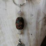 Schutzengel Engel Schlüsselanhänger mit brauner Kashmiriperle und weissen Glasperlen