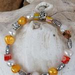 Kinderkette Kinder Armkette Mädchen Armband Perlenkette Kinder mit gelben und weissen Zuchtperlen, Metallperlen Marienkäfer und orangen Glasperlen