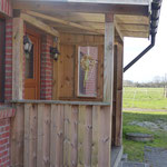 Eingangspodest mit Vordach