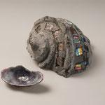 casque shell  H13cm W19cm D18cm  pate de verre