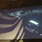Videoinstallation von Andreas Köpnick und Schattenbild von G.O.