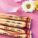 Bambus Strohhalme mit Love Quote für Green Smoothies, Säfte und Shakes.