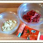Vorbereitung Tomatenmark, Gemüsebrühe.