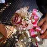 ナイフ&トーチ  ケーキナイフなどお花で飾ります。