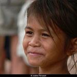 Leurs parents sont décédés ou les ont abandonné à l'orphelinat car trop pauvres, mais les enfants gardent toujours le sourire aux lèvres.