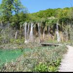 On dénombre 92 cascades au parc de Plitvice