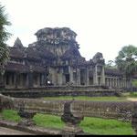 Les Temples de l'Empire Khmer connurent leur apogée entre le IXe et le XVe siècle.
