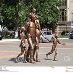 http://images.google.de/imgres?imgurl=http%3A%2F%2Fthumbs.dreamstime.com%2Fz%2Frepublik-russlands-mordwinien-saransk-stadt-veiw-skulptur-der-familie-35506097.jpg&imgrefurl=http%3A%2F%2Fde.dreamstime.com%2Flizenzfreie-stockfotografie-republik-russlands