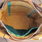 NIZZA Innen: zwei Fächer / 1 Reissverschlusstasche