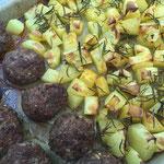 Frikadellen mit Ofenkartoffeln