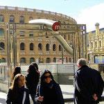Stierkampf-Arena und Metro-Eingang, Valencia
