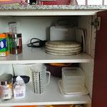 Brettchen, Salatschleuder, Sandwichtoaster, Frischhaltedosen