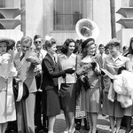 August 27, departure for a war bond tour with Greer Garson, Ronald Coleman, Heddy Lamarr, Joan Leslie, Virginia Gilmore and Lynn Bari