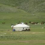 Jurte - mit Solaranlage und Satelitenschüssel