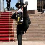 Militär oder Ballet – bei der Wachablösung