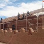 die Kircheerhält ein neues Lehmdach