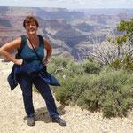 wir wandern entlng des Grand Canyon ...