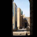 links und rechts Mausoleen
