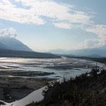 immens breite Flussläufe