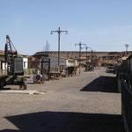 die Hauptstrasse mit Wohnungen für Arbeiterfamilin