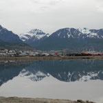 Wir verlassen Ushuaia und seine Hausberge Monte Olivia und Cinco Hermanos