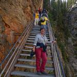 mehr als 300 Stufen führen...