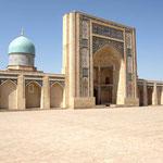 dann zur Moschee