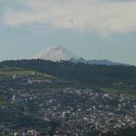 Ein Vulkan nahe der Stadt Quito