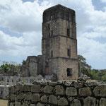 das Wahrzeichen Panamas: die Ruine eines Kirchtumes