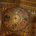 die Kuppel dagegen ähnelt sehr derjenigen einer Moschee