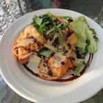 wie am südlichsten Punkt (Ushuaia) essen wir hier Kings Crab (diesmal zur Vorspeise)